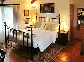 Double bedroom in Granary Cottage